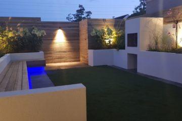 Keegan - BBQ garden with LCD lights